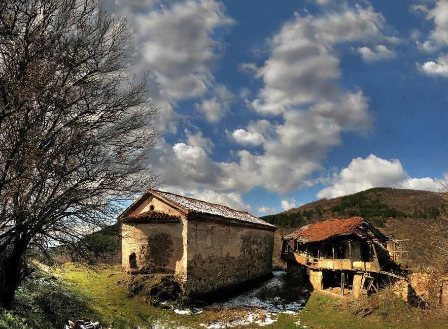 manastiri